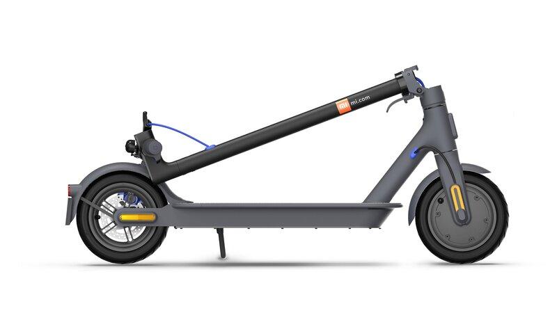 musta Mi Electric Scooter 3 sähköpotkulauta taitettuna