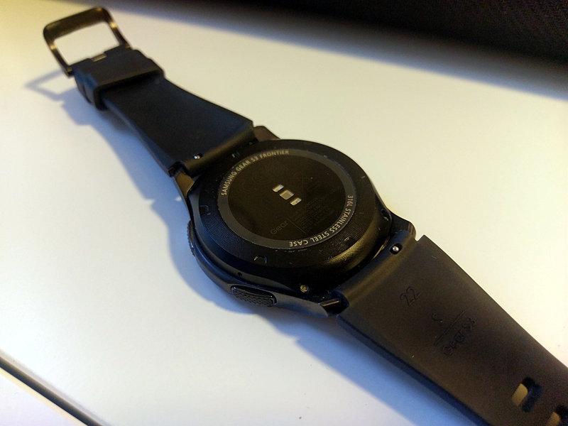 Gear S3 - takaa