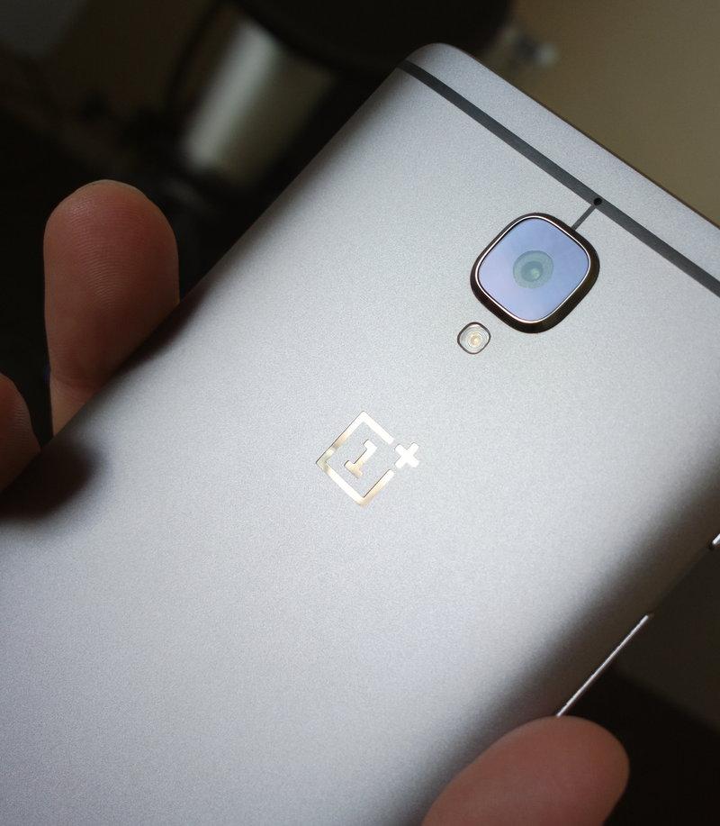 OnePlus 3 - takakansi