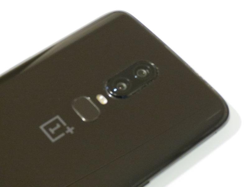 OnePlus 6 takaa