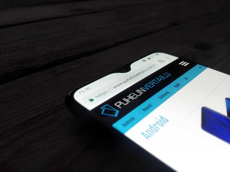 OnePlus 6T näyttölovi