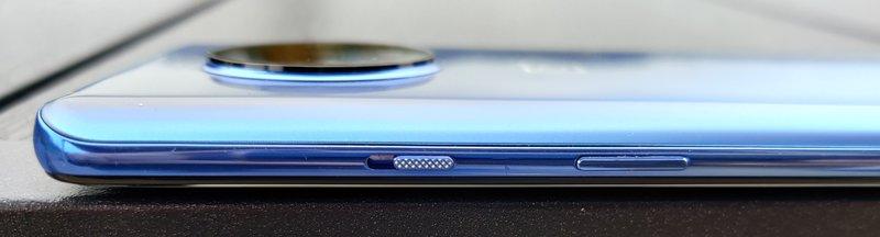 OnePlus 7T liukukytkin ja virtapainike