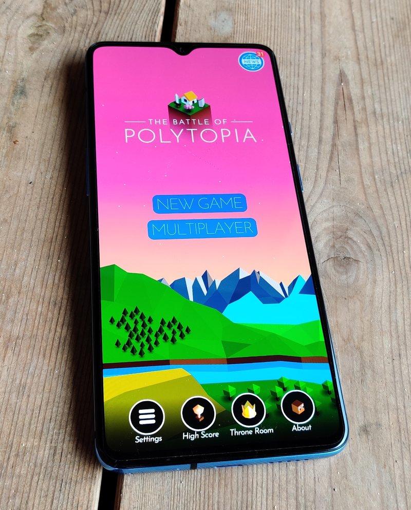 OnePlus 7T näyttö, loven kera