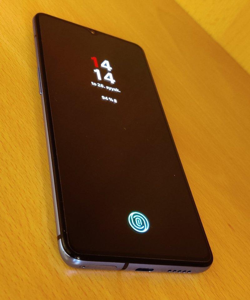 OnePlus 7T sormenjälkilukija