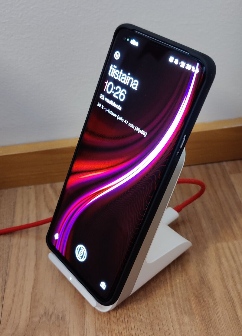 OnePlus 9 Pro wireless charger