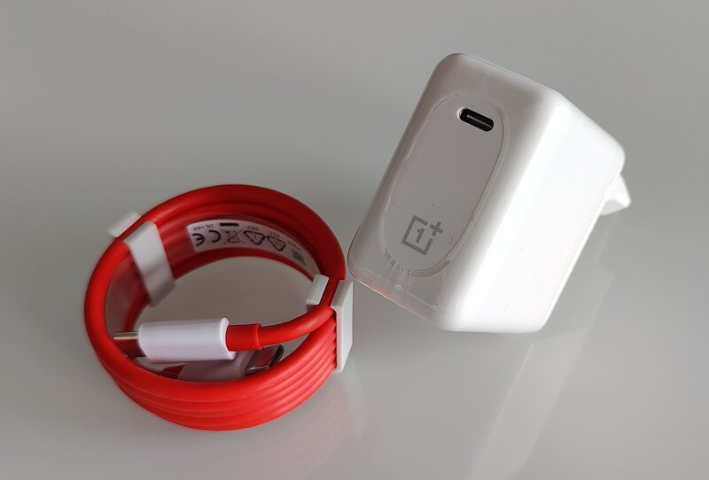 OnePlus 9 Pro charger