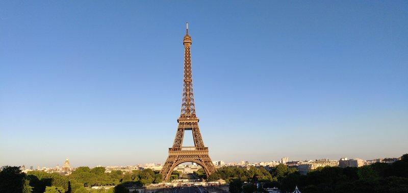 OnePlus 6 esimerkkikuva, Eiffelin torni