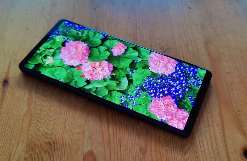Sony Xperia 1 III näyttö, jossa kuva