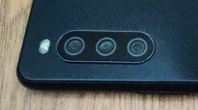 Sony Xperia 10 III takakamerat