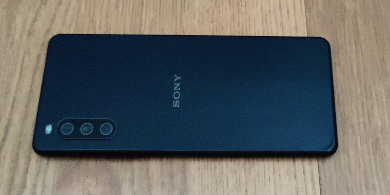Sony Xperia 10 III takaa