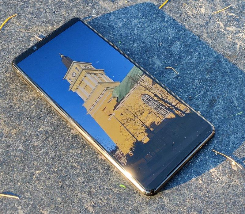 Xony Xperia 5 II näyttö