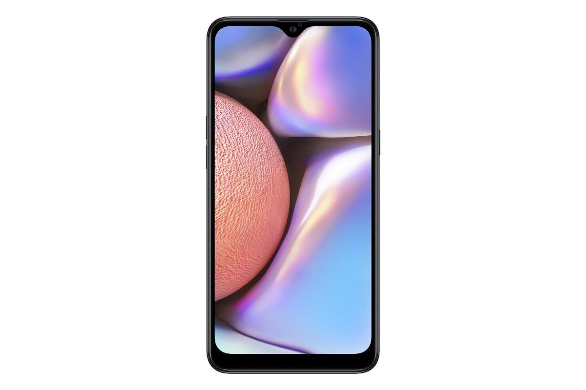 Samsung Galaxy A10s edestä näytön ollessa päällä