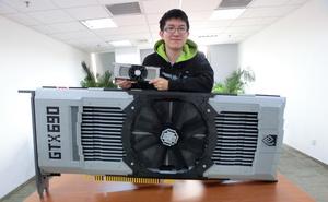 Gigantisk kopi af GeForce GTX 690 bygget med LEGO-klodser