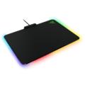 Razerin uusi hiirimatto valaisee koko pelipisteen - missä tahansa värissä