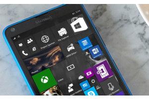 Microsoft: Windows 10 Mobile on kuollut, vaihtakaa Androidiin tai iPhoneen