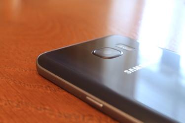 Testissä Galaxy S7:n kamera: Oikea peto hämäräkuvauksessa