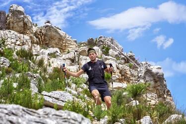 Kestävyysurheilijoille suunnattu Garmin Enduro GPS-multisportälykello lupaa jopa 65 päivän akunkeston