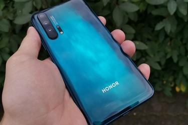 Huawei vahvisti: Honor-puhelinbrändi myydään