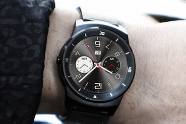 LG esitteli komean älykellon: G Watch R:ssä on täysin pyöreä näyttö