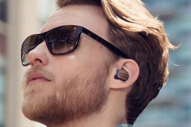 Nappasiko Motorola tuoteidean viimevuotisesta scifi-elokuvasta?