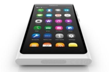 Valkoinen N9 tuli ennakkotilaukseen