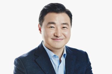 Samsung sai uuden puhelinpomon – Tehtävänä tehdä taittuvista puhelimista hitti
