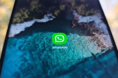 WhatsAppissa tulee näkymään paljon Facebookin bannereita lähiviikkoina - taustalla pelko käyttäjäkadosta