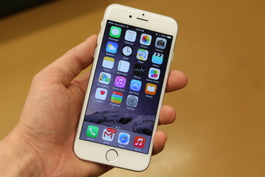 Älypuhelimia myytiin ennätykselliset 1,4 miljardia, näin jakautuivat suurimpien kesken