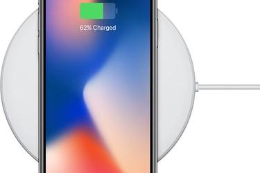 iPhone 8 ja X latautuvat pian nopeammin – Applelta tulossa päivitys