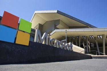Microsoft esittelemässä puhelimen ja tietokoneen yhdistelmän?