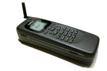 Nokia Communicator täytti 25 vuotta - suomalainen älypuhelin, ennen älypuhelin-sanan keksimistä