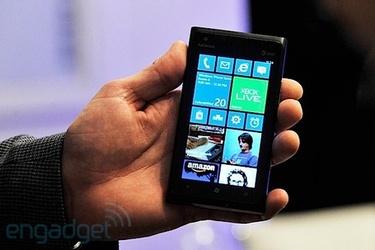 Ensimmäinen epävirallinen Windows Phone 7.8 ROM-tiedosto vuosi nettiin