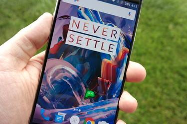 OnePlus toi kasvojentunnistuksen myös OnePlus 3:lle ja 3T:lle