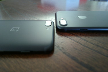 Vertailussa kaksoiskamerat: OnePlus 5 vs iPhone 7 Plus