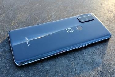 OnePlussan halpisluuri sai vihdoin Android 11 -päivityksen - joka on samalla puhelimen viimeinen