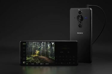 Sonylta hurja lähes kahden tuhannen euron kamerakännykkä - tai kamera kännykän kuorissa