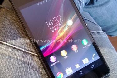 Sony Xperia Z Ultra esintyy ensimmäistä kertaa näyttö päällä