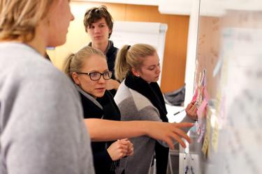 Telia ja Helsingin kaupunki yrittävät uudistaa oppimisen 5G:n avulla