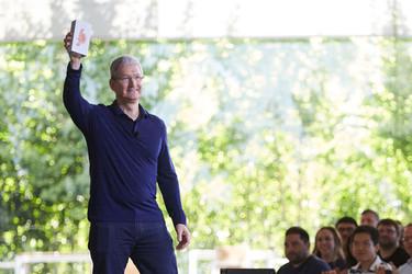 Muuttaako Apple linjaansa? Yrityskauppojen koolla ei ole väliä
