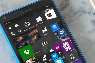 Microsoft: Windows 10 Mobile on kuollut, vaihtakaa Androidiin tai iPhoneen