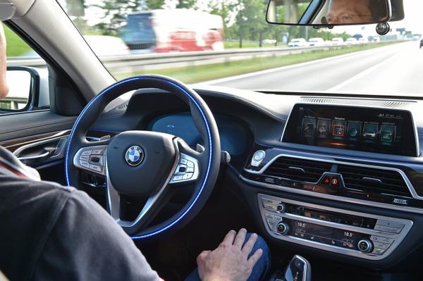 BMW aikoo optimoida itsestään ajavat autot Kiinan tieverkostolle