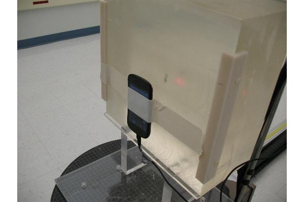 Tutkimus: Älypuhelinten kameraa voidaan käyttää säteilyn havaitsemiseen