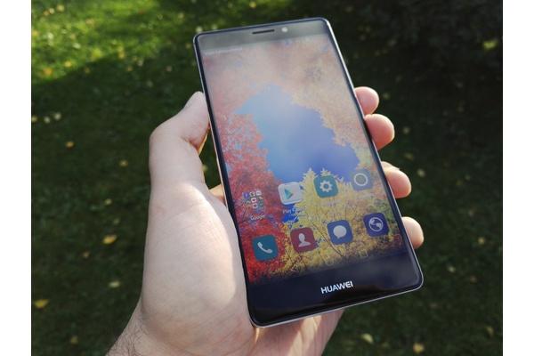 Ensikokeilussa Huawei Mate S: Hintava, mutta tyylikäs älypuhelin
