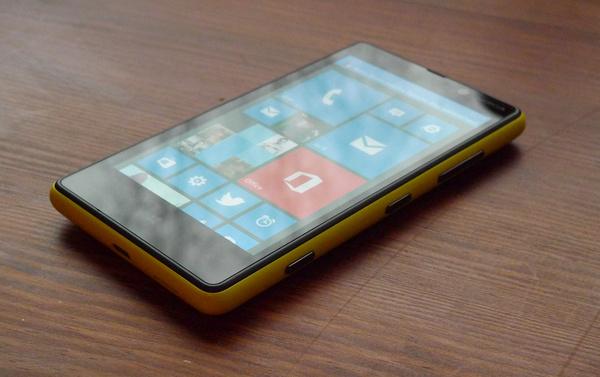 Arvostelussa Lumia 820: paluu ysärille modernissa muodossa