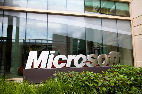 Windowsin myynti kasvoi XP:n tuen päättymisen ansiosta – Surface on edelleen tappiollista bisnestä