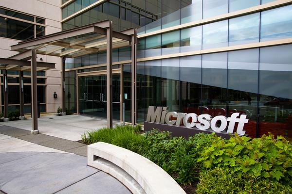 Microsoft tuo Age of Empiresin ensin muille alustoille, vasta myöhemmin Windows Phonelle