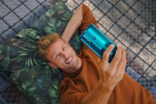 Motorolan Moto G50 tarjoaa 5G-yhteydet ja 90 hertsin näytön 199 eurolla