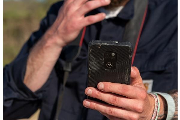 Motorola julkaisi erityisen kestävän defy -älypuhelimen