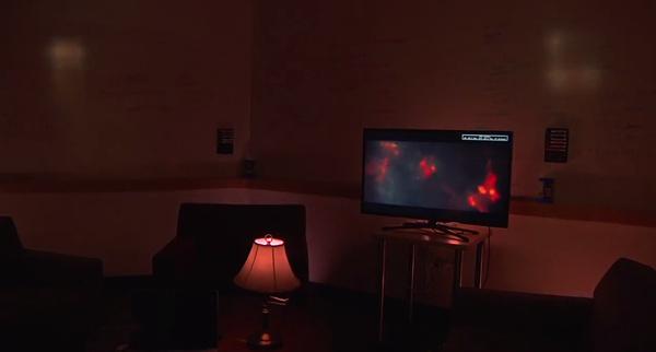 Olohuoneen valaistus saatiin reagoimaan Netflix-elokuviin