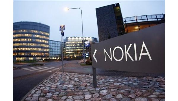 Nokia saa RIM:lta 50 miljoonaa nyt, lisää myöhemmin